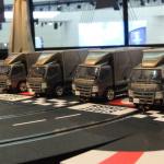 三菱ふそうの大型バス「エアロクイーン」の内部で大型トラック「キャンター」がレース!?【東京モーターショー2019】 - canter4