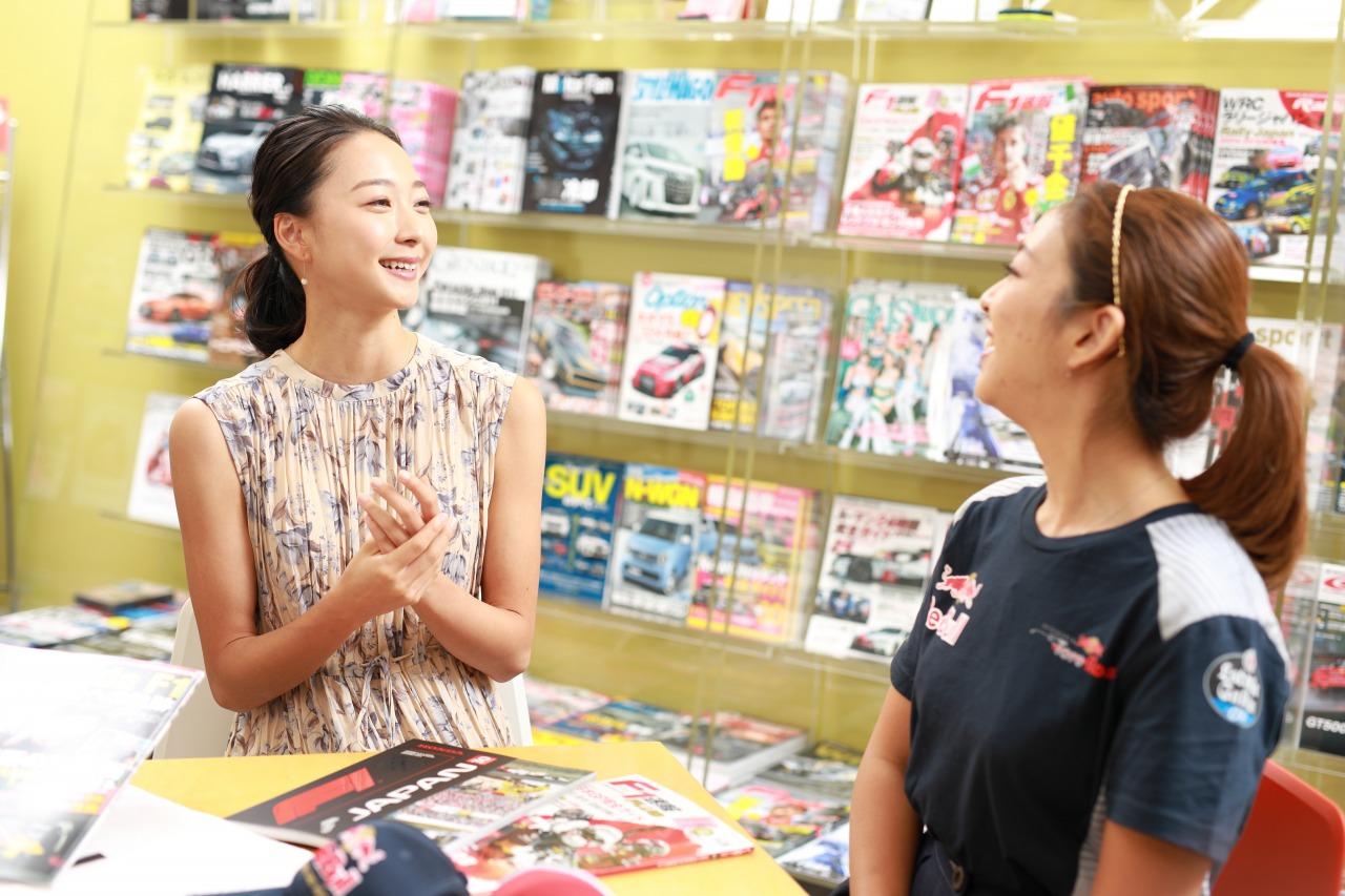 「「畠山さんの推しF1ドライバーは?」 元オリンピック日本代表の畠山愛理さんとF1女子島田有理さんの熱烈トークを発見!」の1枚目の画像