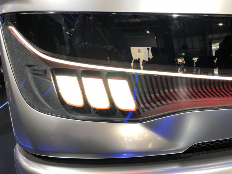 Vision F-CELLヘッドライト