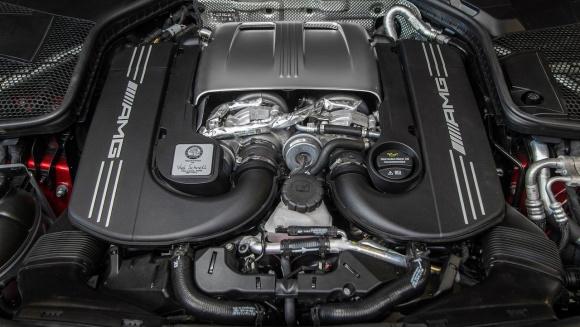 メルセデス AMG C63エンジン