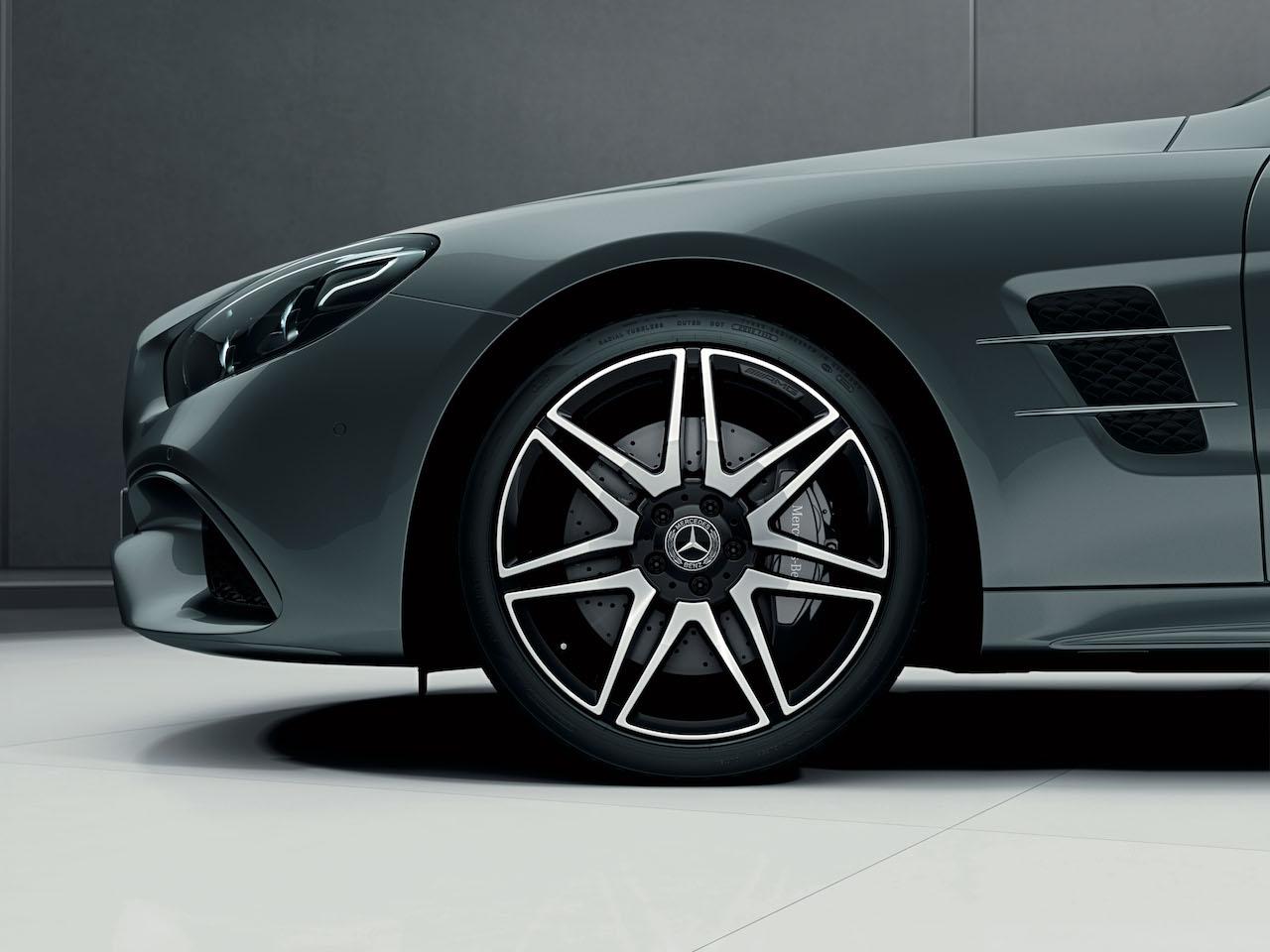「快適装備とABCサスペンションが備わった特別仕様車、メルセデス・ベンツ「SL 400 Grand Edition」が登場【新車】」の12枚目の画像