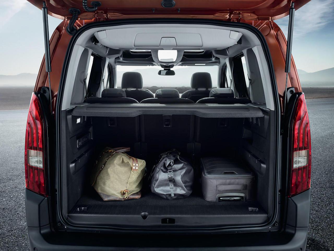 「ルノー・カングーに最強のライバルが出現!? MPVのプジョー・リフターは先進安全装備を満載【新車】」の15枚目の画像