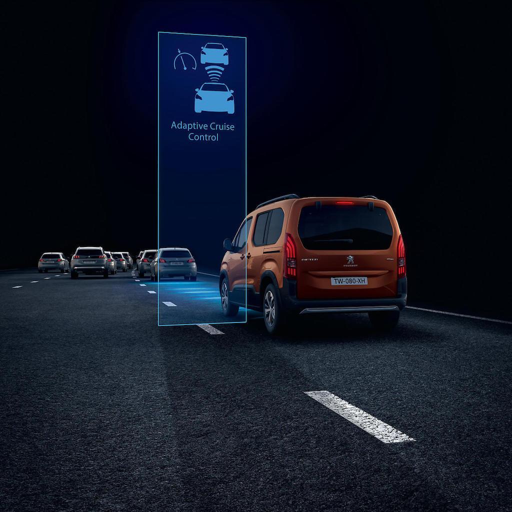 「ルノー・カングーに最強のライバルが出現!? MPVのプジョー・リフターは先進安全装備を満載【新車】」の25枚目の画像