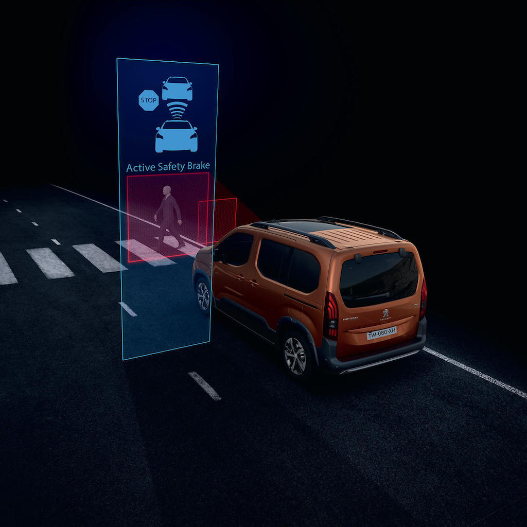 「ルノー・カングーに最強のライバルが出現!? MPVのプジョー・リフターは先進安全装備を満載【新車】」の26枚目の画像
