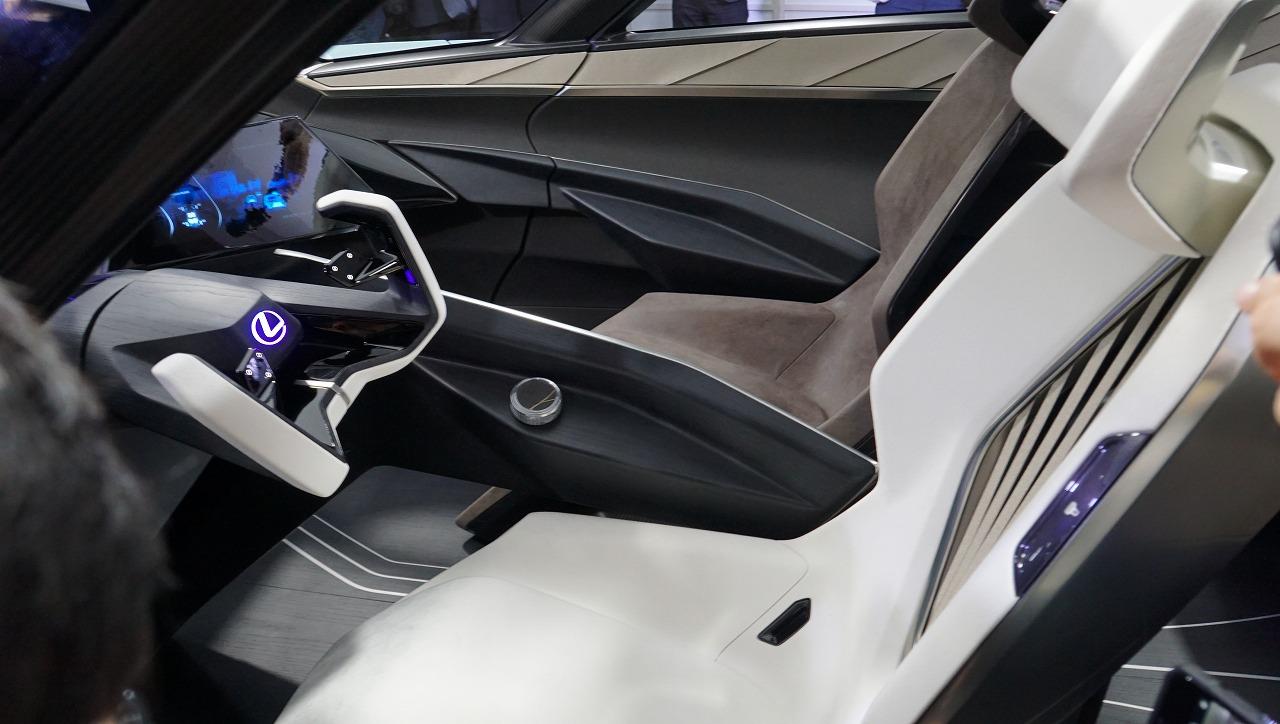 「鉱石のような塊感! レクサスの電動化ビジョンを象徴するコンセプトモデル「LF-30 Electrified」を公開【東京モーターショー2019】」の13枚目の画像