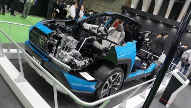 RAV4カットモデル