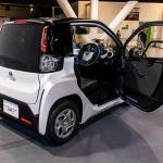 シティコミューターとして約100kmの走行が可能。2020年冬頃に発売されるトヨタの超小型EVが初公開【東京モーターショー2019】 - TOYOTA_ULTRA_COMPACT_BEV_14