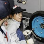 アウトオブキッザニアのトヨタブースで電気自動車の組み立てに挑戦!【東京モーターショー2019】 - kiz22