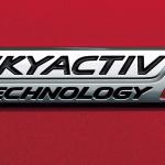 クリーンディーゼルエンジン「SKYACTIV-D」搭載車が国内累計販売50万台を達成。国内の2台に1台はマツダ車になる計算 - SKYACTIV-Dバッジ