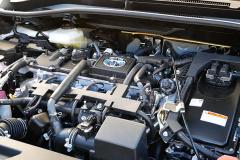 C-HRハイブリッド仕様のエンジン