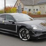 EVなのにエキゾーストパイプ!? ポルシェ初のEVワゴン「タイカン スポーツツーリスモ」をキャッチ - Porsche Taycan Sport Turismo 3