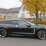 EVなのにエキゾーストパイプ!? ポルシェ初のEVワゴン「タイカン スポーツツーリスモ」をキャッチ - Porsche Taycan Sport Turismo 6