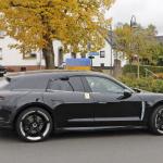 EVなのにエキゾーストパイプ!? ポルシェ初のEVワゴン「タイカン スポーツツーリスモ」をキャッチ - Porsche Taycan Sport Turismo 7