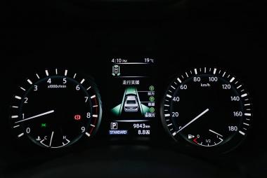 インテリジェント LI(車線逸脱防止支援システム)始め、走行支援システムも充実