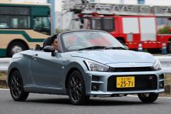 トヨタ コペンGRスポーツの走行シーン