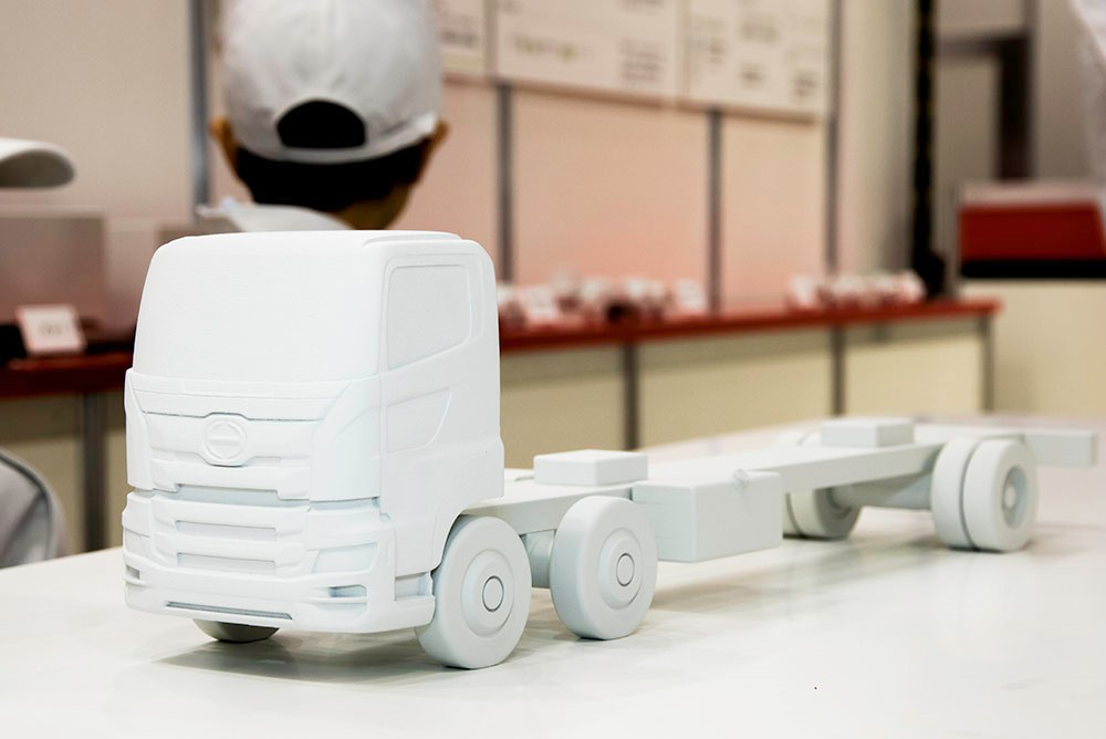 「アウトオブキッザニアの日野ブースでトラックの注文制作を体験!【東京モーターショー2019】」の4枚目の画像