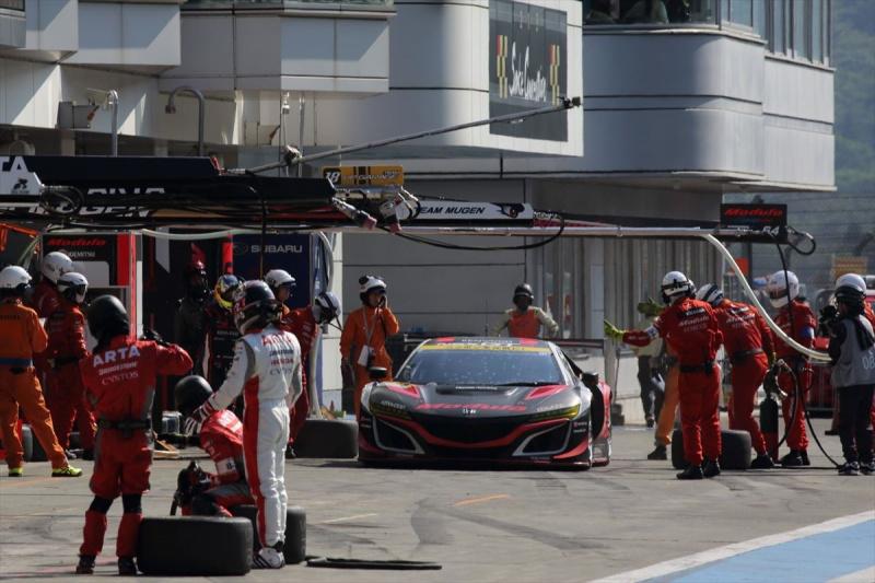 富士500mileで大津選手の乗る富士500mileでのModulo KENWOOD NSX GT3