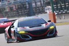 予選Q1を走るModulo KENWOOD NSX GT3