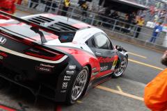 コースへ向かうModulo KENWOOD NSX GT3