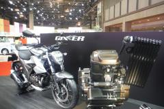 ジクサー250と新・油冷エンジン