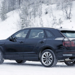 超高級SUVセグメントの勝者へ。ベントレー・ベンテイガ、初の大幅改良を実施 - Bentley Bentayga facelift winter 15