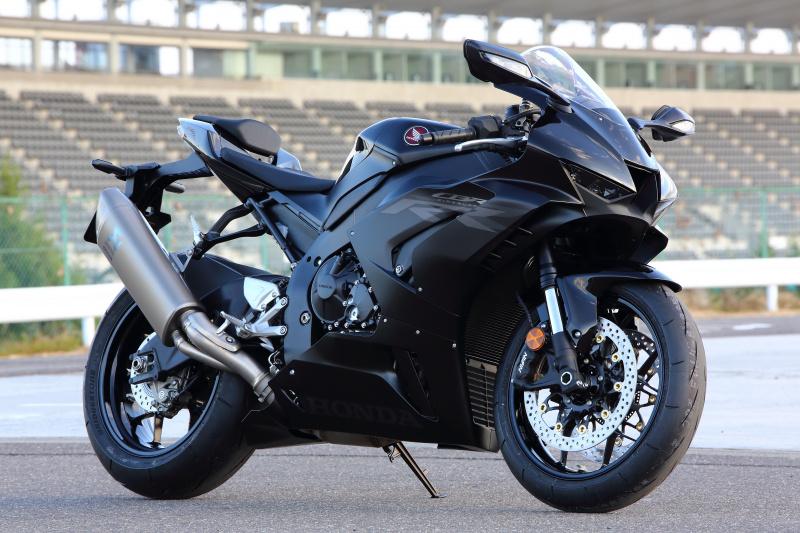 CBR1000RR-R_Black