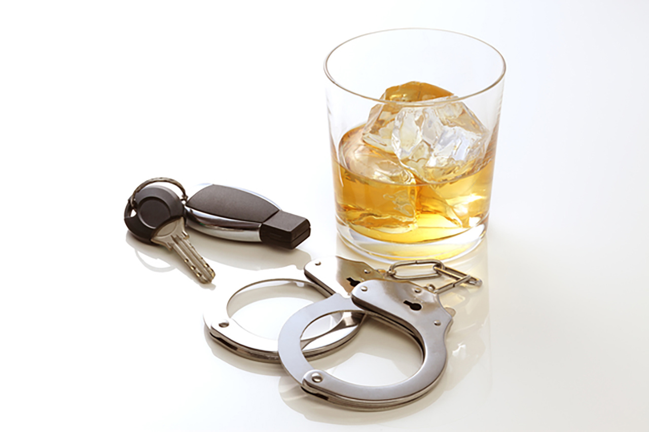 「飲酒運転で捕まるとどうなる!? 「酒酔い運転」だと50万円の罰金、懲役刑の可能性が大!」の2枚目の画像