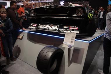 「PROXES R888R」装着のカスタムカー「HOONICORN V2」