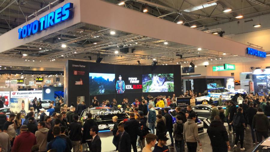 ドイツ・エッセンで開催された「ESSEN Motor Show」のTOYO TIRESブース