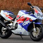 世界観を作り、ジャンルを生み出し、レースを引き寄せたバイク。それがCBR900/1000RR【新型ファイアーブレード登場・3】 - FIREBLADE02