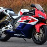世界観を作り、ジャンルを生み出し、レースを引き寄せたバイク。それがCBR900/1000RR【新型ファイアーブレード登場・3】 - FIREBLADE04