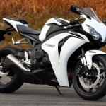 世界観を作り、ジャンルを生み出し、レースを引き寄せたバイク。それがCBR900/1000RR【新型ファイアーブレード登場・3】 - FIREBLADE05