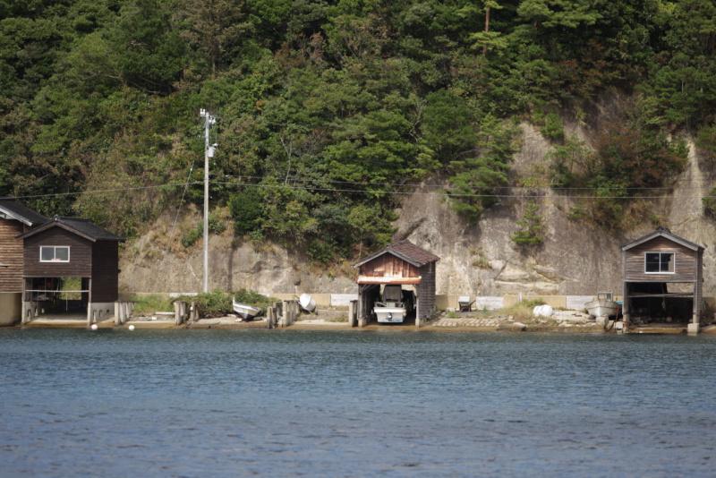 複雑な地形の入江「九十九湾」の船小屋