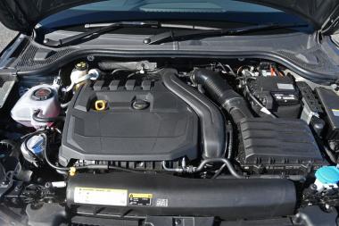 アウディA1 エンジン