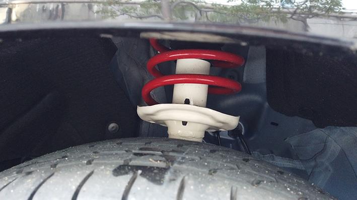 ヴェゼル モデューロ X HV 4WDフロントサス