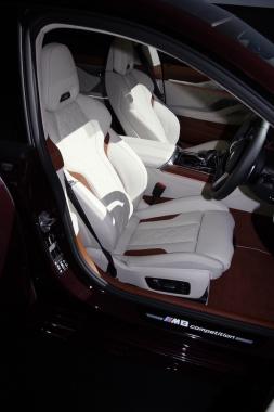 BMW M8 グラン クーペ