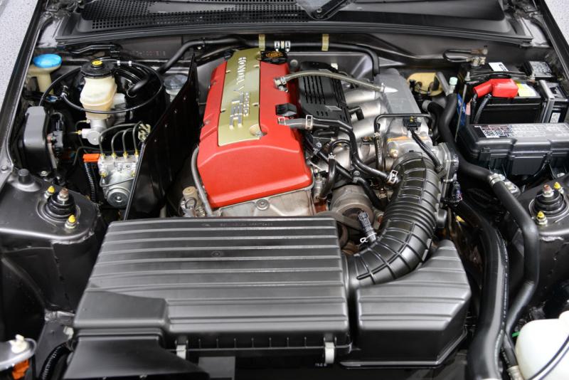 8万キロ走行の2007年式ホンダS2000のエンジンルーム