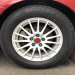 クルマと道の仲介役はタイヤ!  空気圧を適正にすれば燃費アップや重大事故も防げる!【誰でもできるカーメンテ】 - tire-air