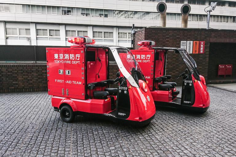 光岡自動車 3輪電気自動車