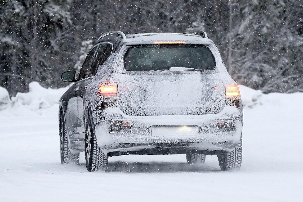 「摂氏マイナス40度でもスイスイ走る! メルセデス・ベンツの新型EV「EQB」をキャッチ」の12枚目の画像
