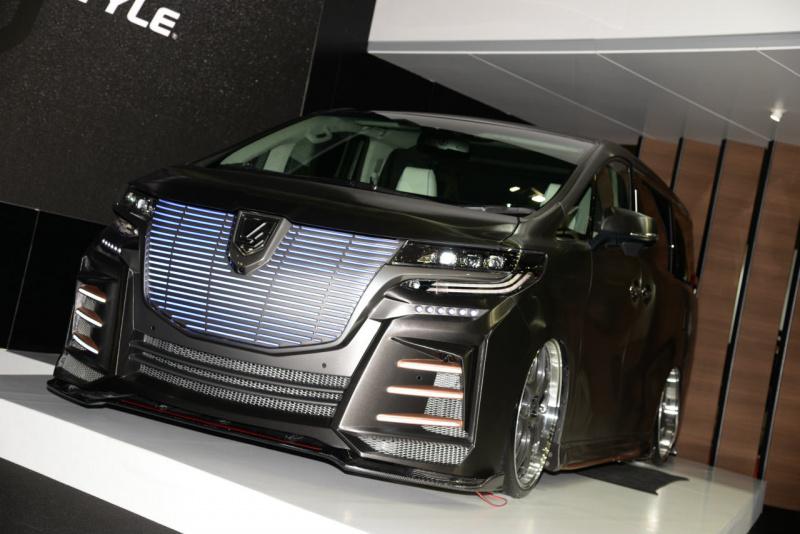 Premium LImousine Brushed Black Concept