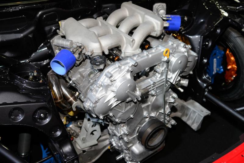 インフィニティQ60のエンジン