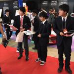 部活がやりたい! 廃部処分の「原動機研究部」高校生が東京オートサロン2020で署名活動 - TAS2020_STUDENT_2