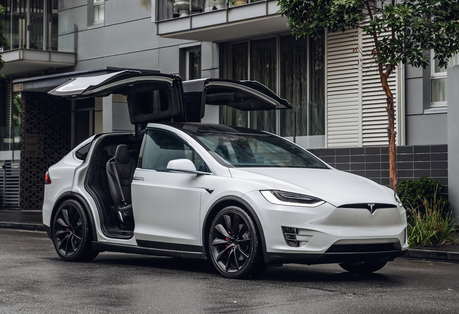 Tesla-Model_X