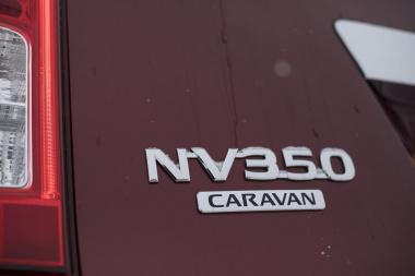 NV350 エンブレム