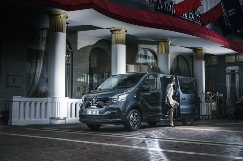 Renault_TRAFIC_SpaceClass