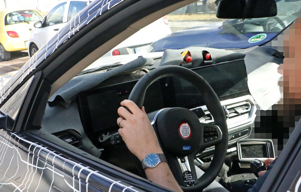 BMW i4_010