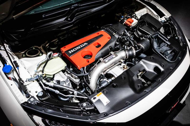 シビックタイプRのエンジン