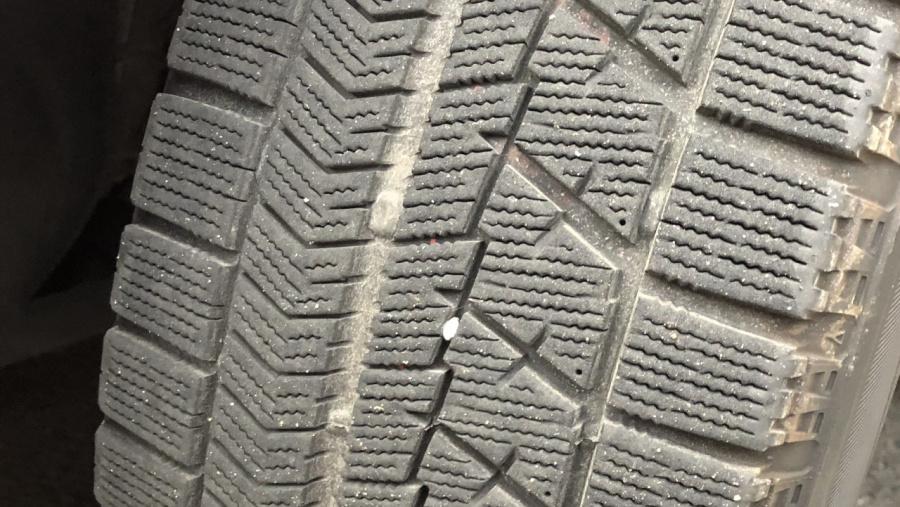 タイヤ 寿命 スタッドレス