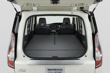 日産自動車 セレナ
